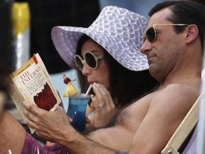 Jessica Paré and Jon Hamm on Mad Men