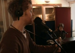 Glen Hansard and Marketa Irglova in Once