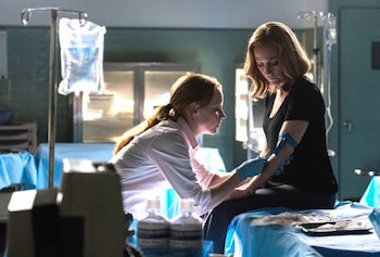 Lauren Ambrose and Gillian Anderson on The X-Files